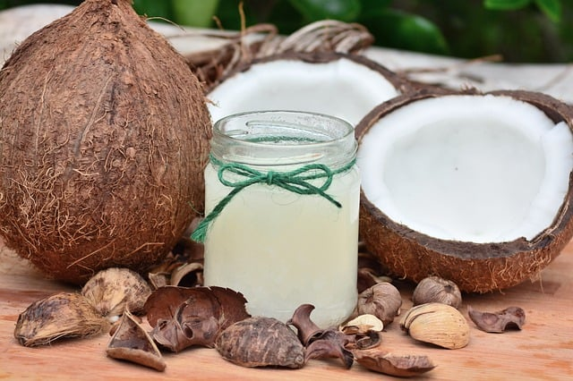Olej kokosowy wkosmetyce – pielęgnacja, rozwiązanie nazmarszczki iwłosy