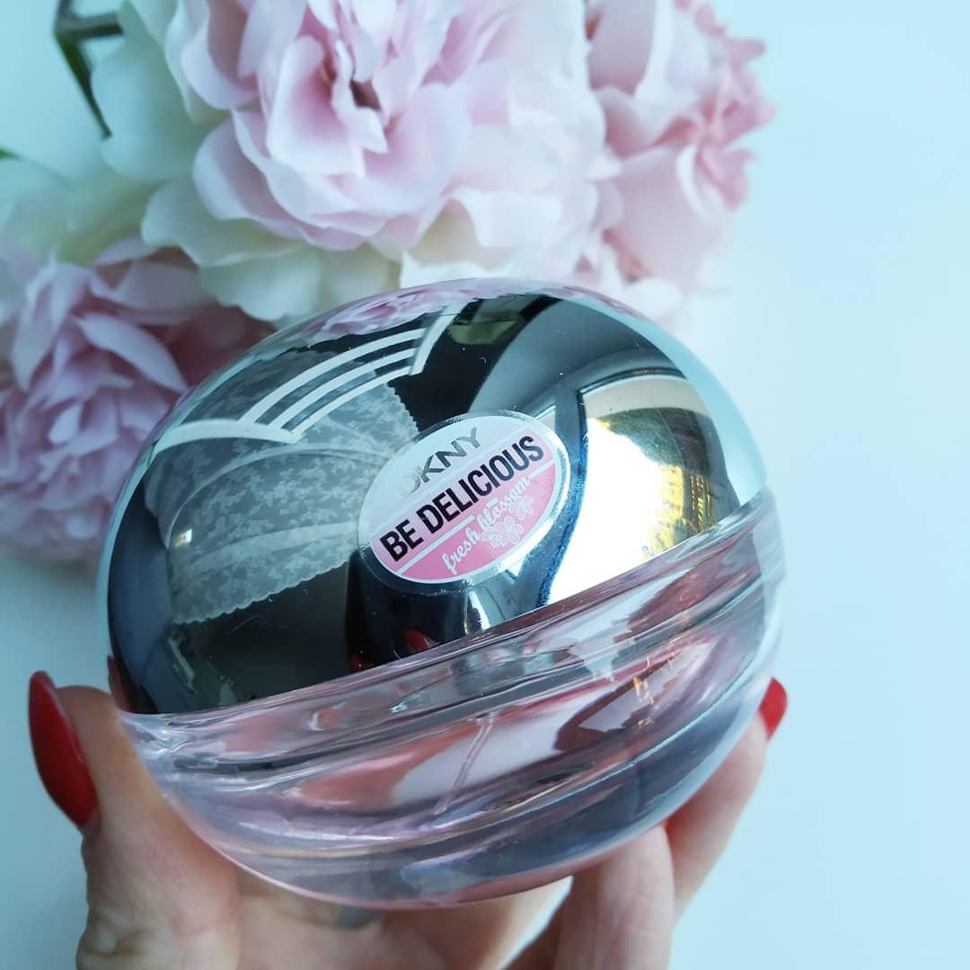 DKNY Be Delicious Fresh Blossom – Niezwykłe perfumy dla wyjątkowej kobiety – poczuj wiosnę